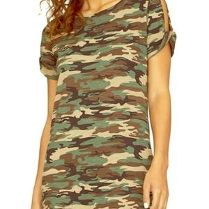 Sanctuary camouflage dress with twisted sleeve
